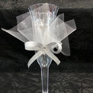 White Mis XV Anos Cups 14 pc plastic 2 pc glass